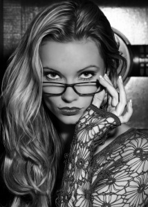 marbella escort glasses lace