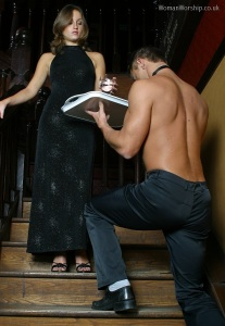 slave_serving_mistress_on_stairs